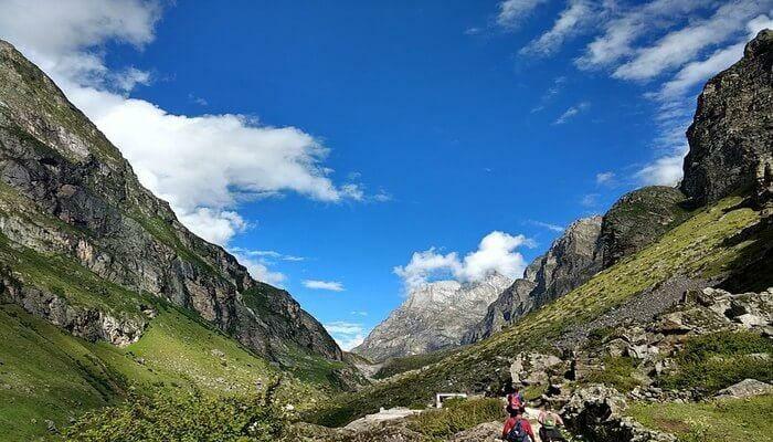 Vasudhara Waterfalls - Places to visit in Uttarakhand
