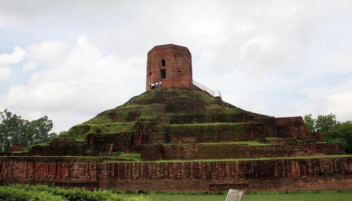 Visit the Chaukhandi stupa