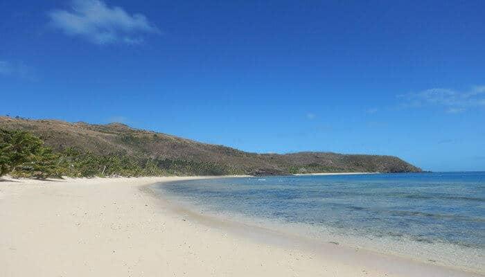 Vomo island beach
