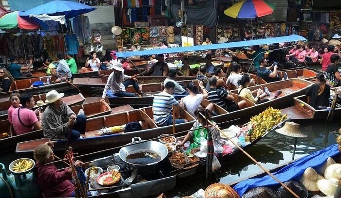 Float market in Thailand