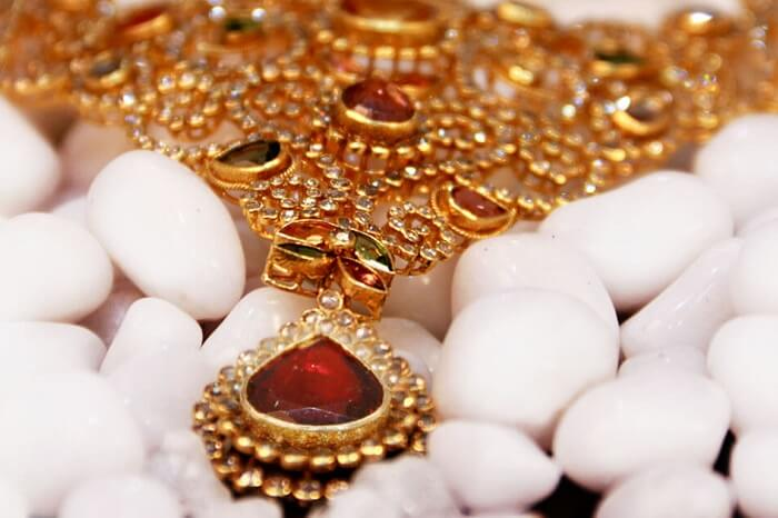 A beautiful gold necklace on sale in Kerala