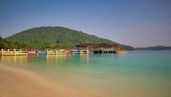 The Parthenian islands in Malaysia are some of the exotic honeymoon destinations in Asia.