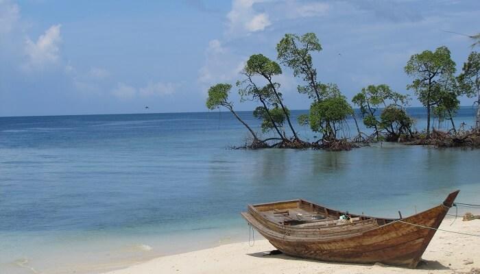 Places to visit: Andaman vs Lakshadweep