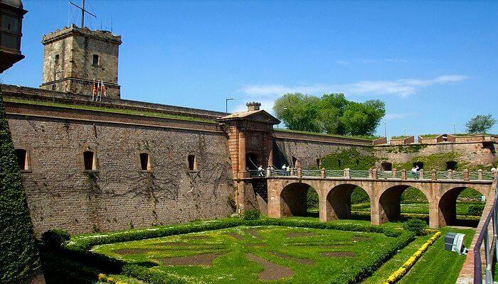 Montusic Castle