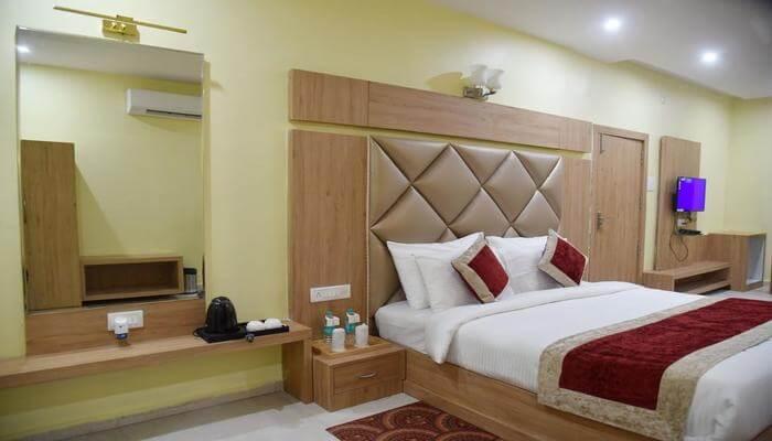 The RiverFront Resort room