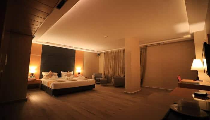 Bindiram Hotel room