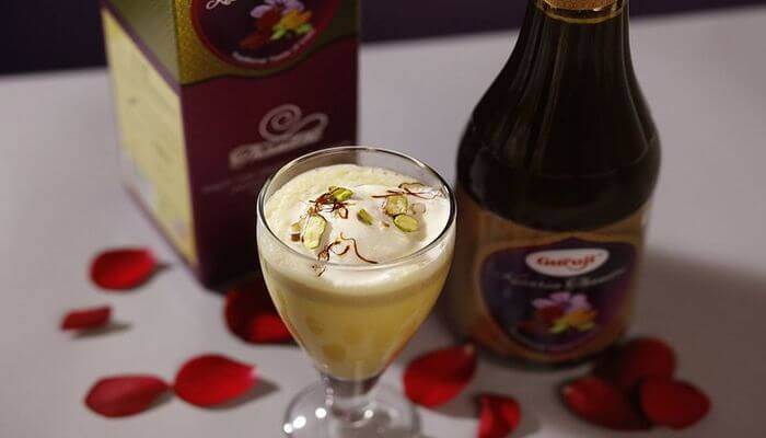 Incredible drinks filled with dry fruits