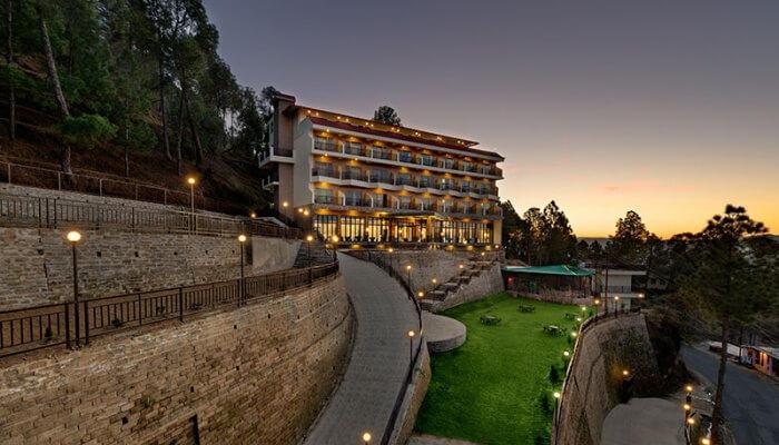Resorts in Binsar - Resort exterior