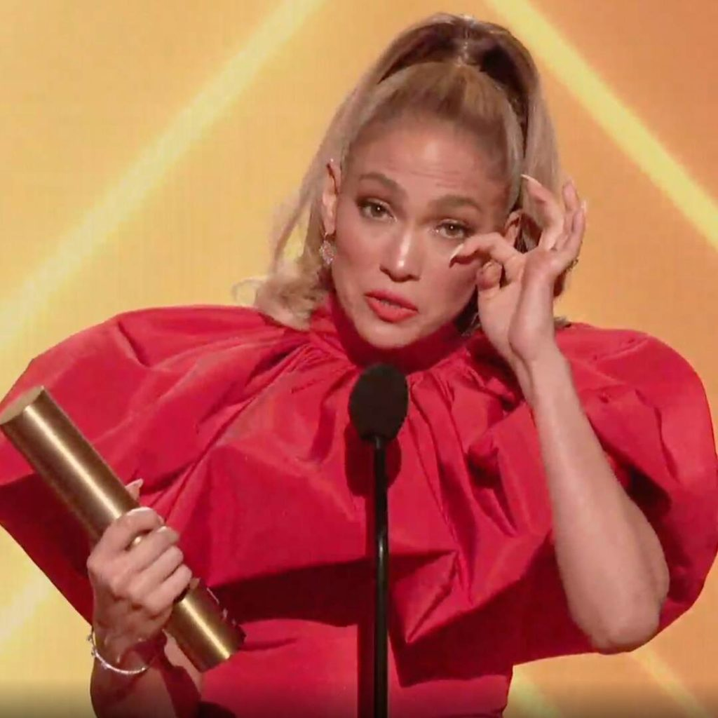 See Jennifer Lopez Be Moved to Tears While Accepting 2020 Icon Award