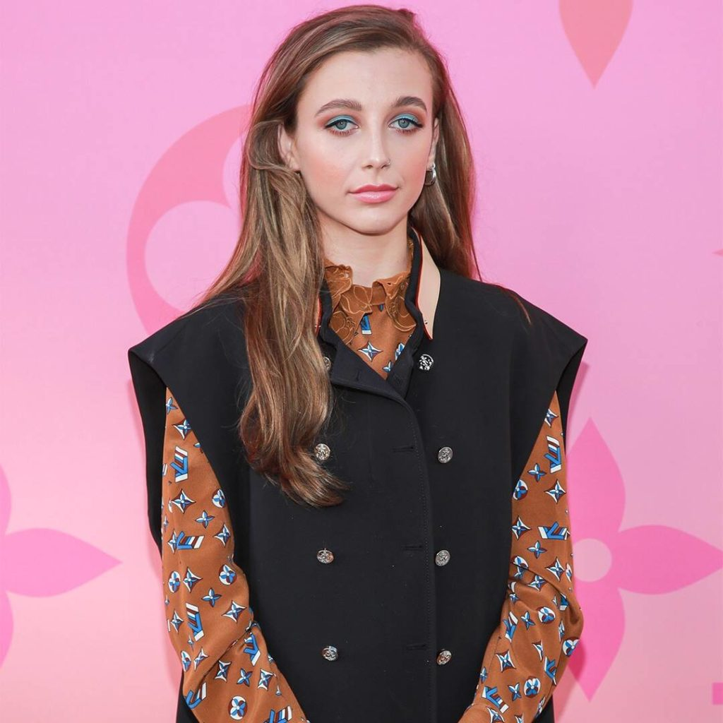 """Emma Chamberlain Reflects on """"Mind-Blowing"""" YouTube Career at PCAs"""