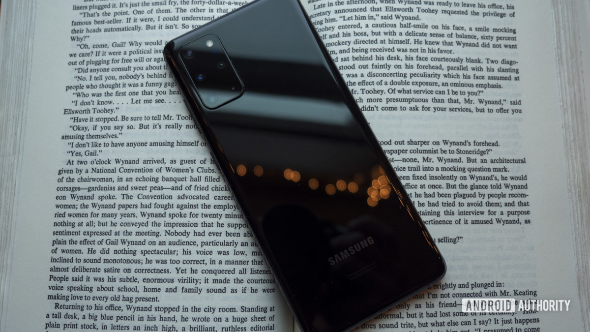 samsung galaxy s20 plus review black back on book 1