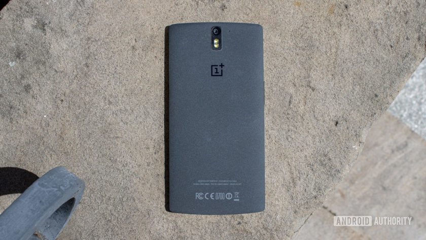 The sandstone back of the OnePlus One.
