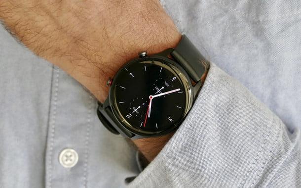 amazfit gtr 2e smartwatch review wrist shirt
