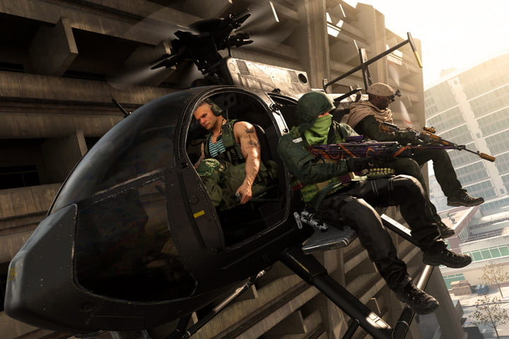 Call of Duty: Warzone players ride in a helicopter