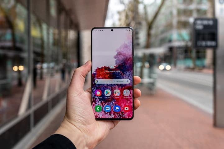Samsung Galaxy S20 Ultra display