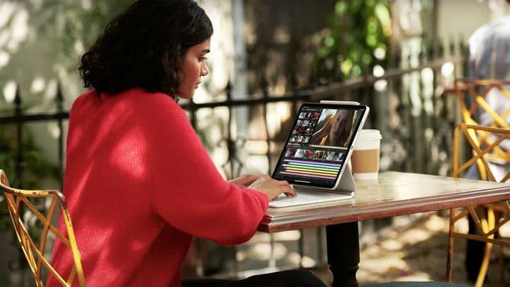 Apple iPad Pro M1 Lifestyle Image