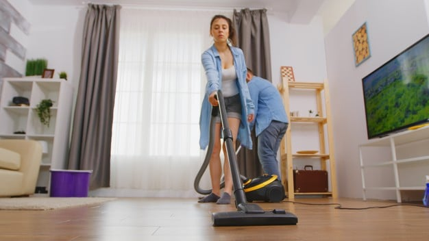 How to remove dust from vacuum cleaner