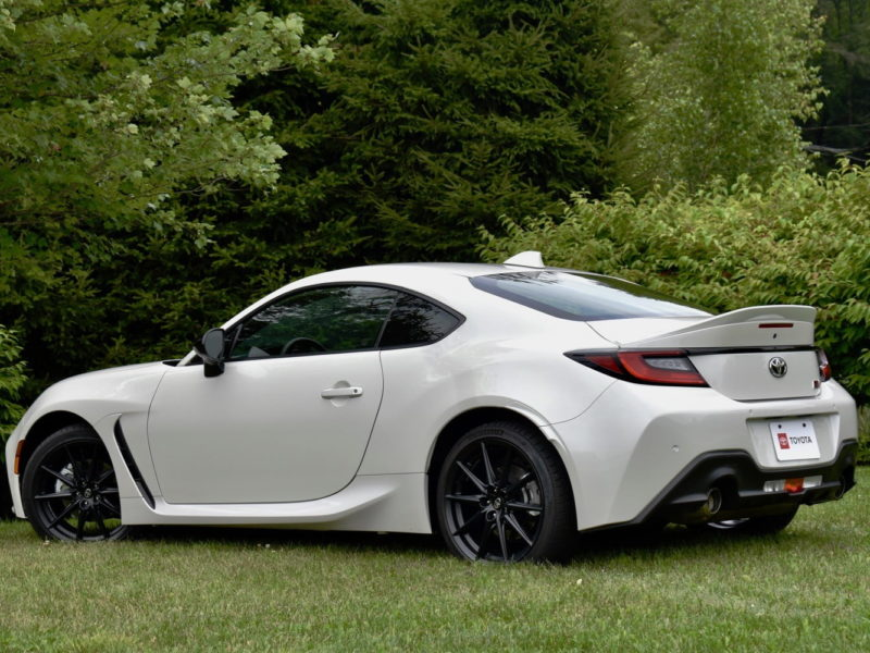 Rear three-quarter view of the 2022 Toyota GR 86.